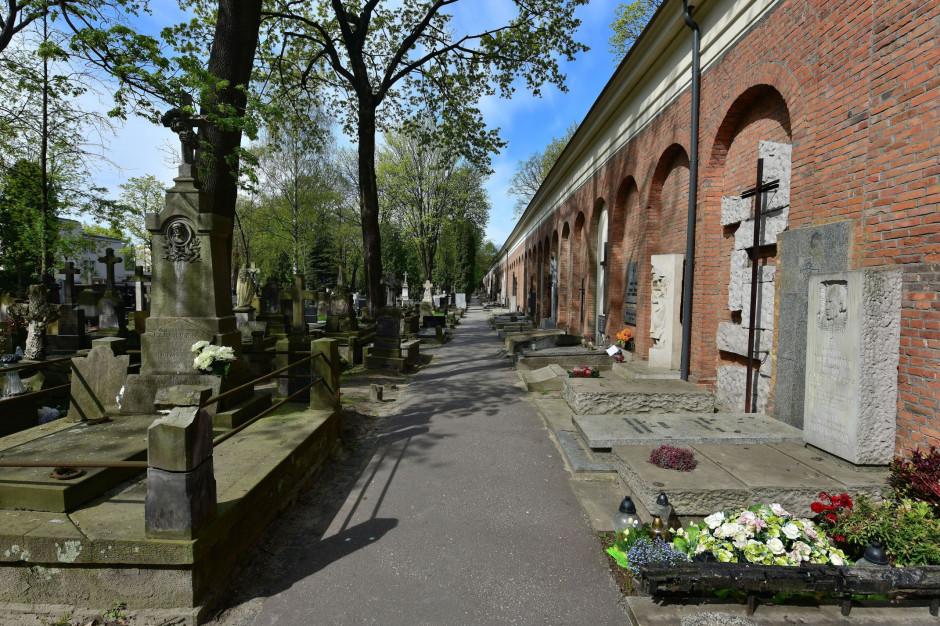 Aleja Zasłużonych Cmentarza Powązkowskiego wpisana do rejestru zabytków