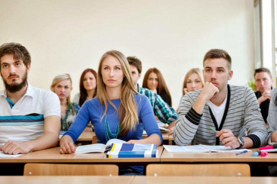 W tych szkołach i placówkach nie tworzy się rad rodziców. Oto aktualna lista
