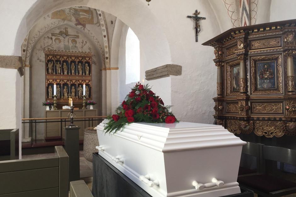 Zasiłek pogrzebowy za niski. Poseł proponuje 2000+