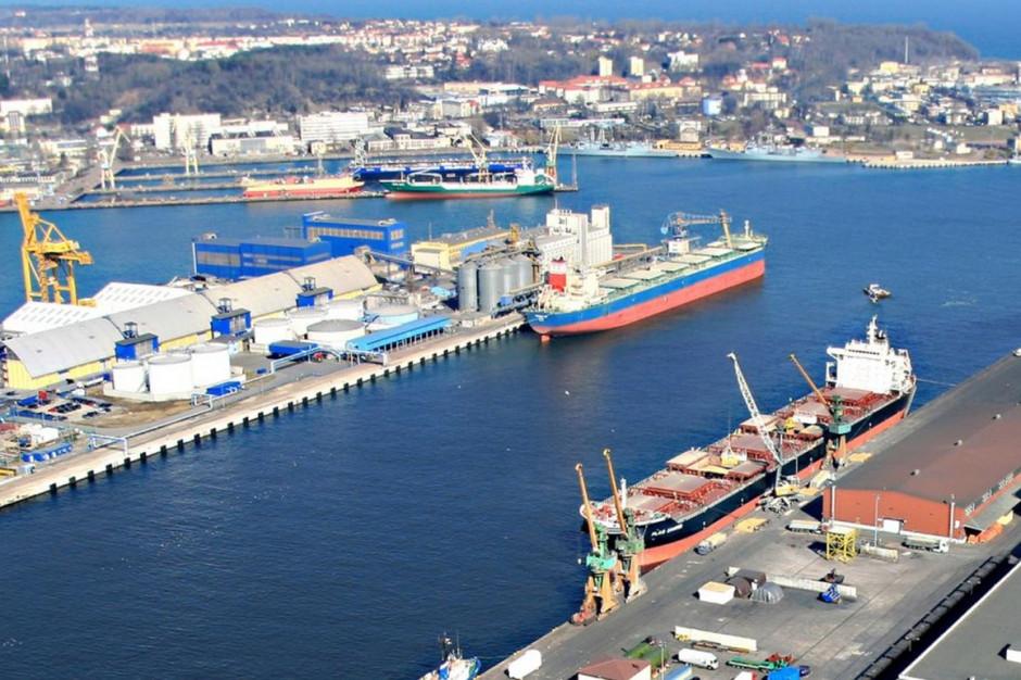 Port Gdynia obsłużył największy w historii Polski ładunek ze śmigłami turbin wiatrowych
