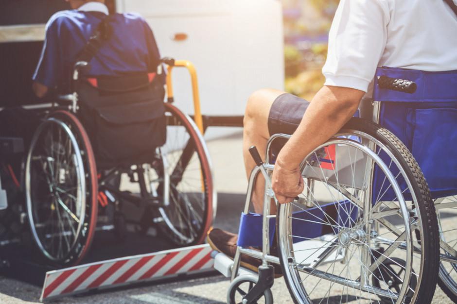 80 mln dla asystentów osób niepełnosprawnych. Samorządy mogą aplikować