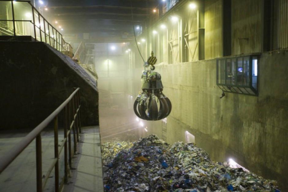 Śląskie: Metropolia ma trzy warianty drogi do budowy spalarni
