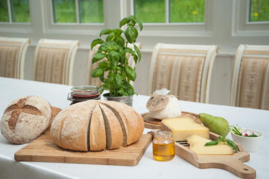 Władze Wielkopolski namawiają do wsparcia gastronomii i kupna dań wigilijnych