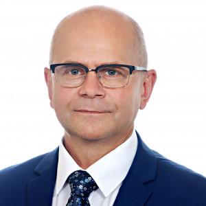 Jacek Gursz, burmistrz Chodzieży, przewodniczący Stowarzyszenia Gmin i Powiatów Wielkopolski:      Aby rządzący traktowali stronę samorządową jako prawdziwego partnera do rozmów.   Aby przygotowywane rozwiązania legislacyjne były realizowane na podstawie wnikliwych analiz i nie wywoływały chaosu kompetencyjnego.   Aby procesy decentralizacyjne nie ustały, a w obliczu wyzwań cywilizacyjno-rozwojowych wręcz przyspieszyły. (fot.mat.pras.)