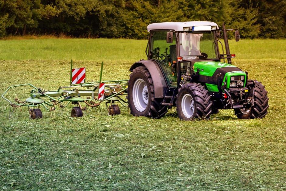 Kto stoi za decyzją o nieprzyznaniu nagród za spis rolny?