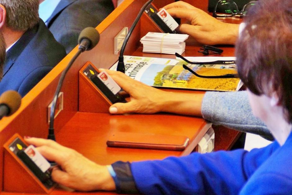 Warmińsko-mazurscy radni przyjęli budżet na 2021 rok