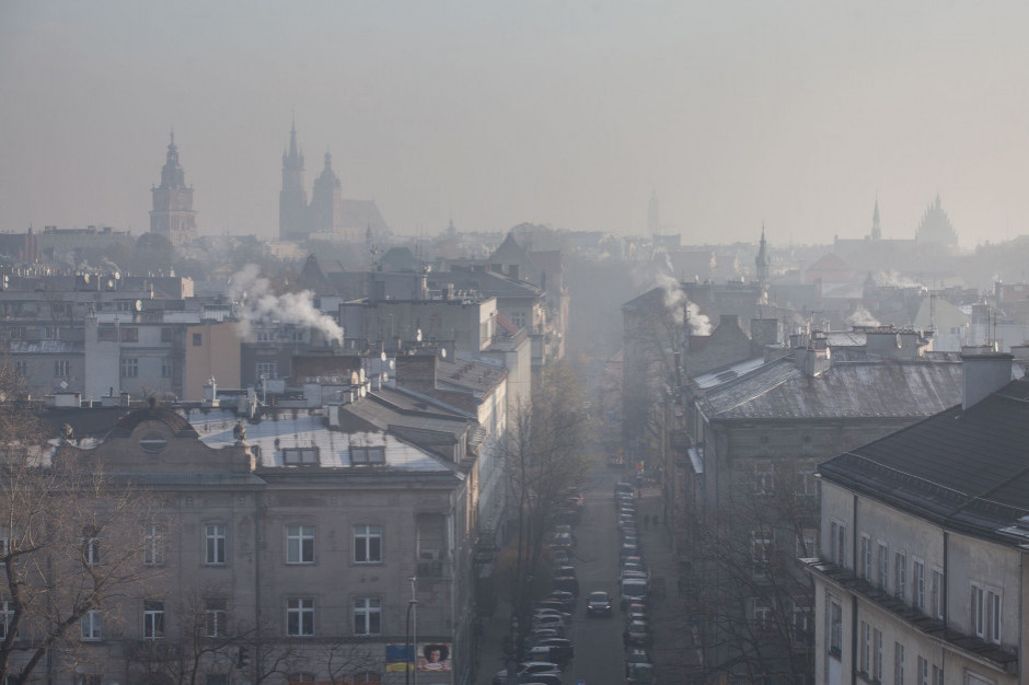 Z powodu smogu zakaz palenie w kominkach