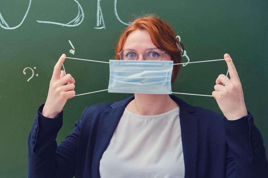 Rozpoczynają się testy nauczycieli na obecność koronawirusa