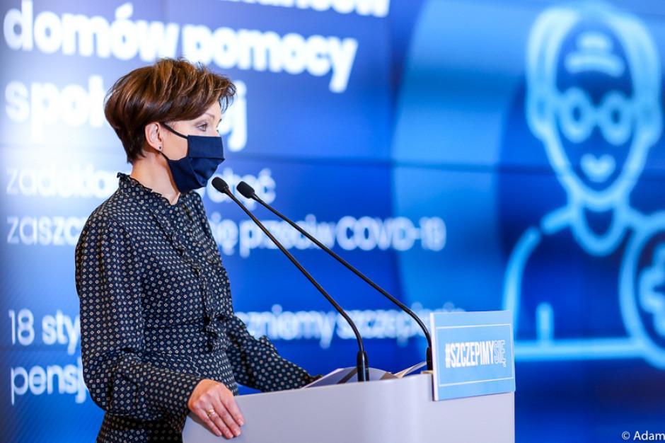 Marlena Maląg: będą mobilne punkty szczepień dla mieszkańców DPS-ów