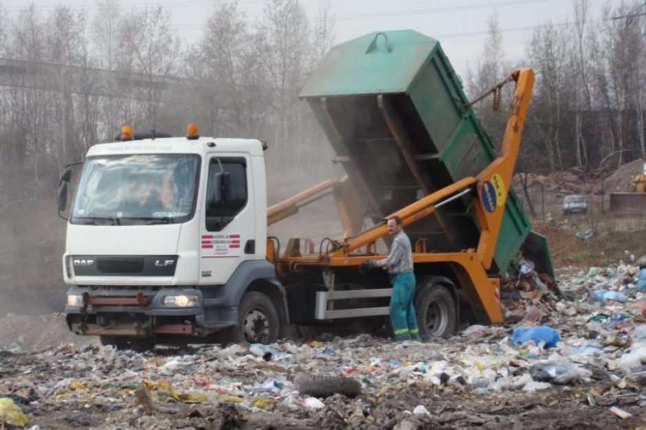 Od lutego zapłacą za odpady 32 złote