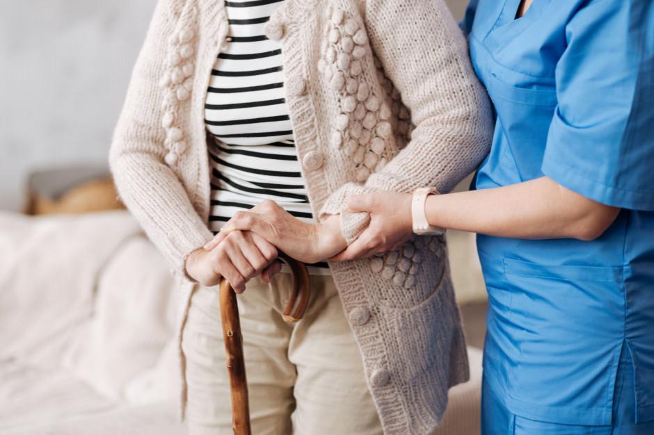 Wrocław: Miasto pomoże niepełnosprawnym i seniorom w dotarciu do punktów szczepień