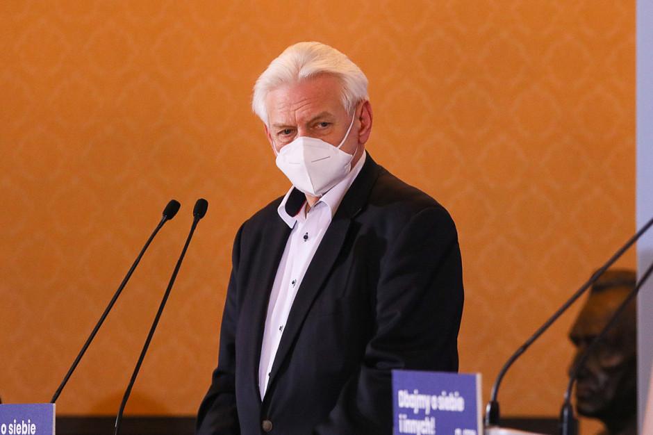 Horban: Jeszcze nie czas na luzowanie obostrzeń