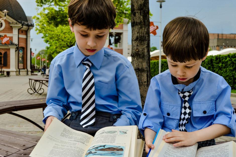 W 2021 r. wyższa dotacja celowa na podręczniki, materiały edukacyjne i ćwiczeniowe