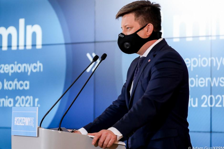 Ponad 200 tys. Polaków zaszczepionych dwiema dawkami. Niski poziom odczynów niepożądanych