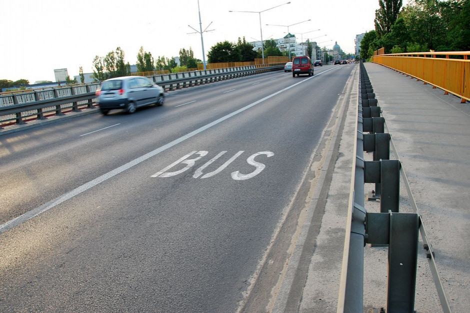 Apel o kontrole i wyższe kary za wjeżdżających na buspasy