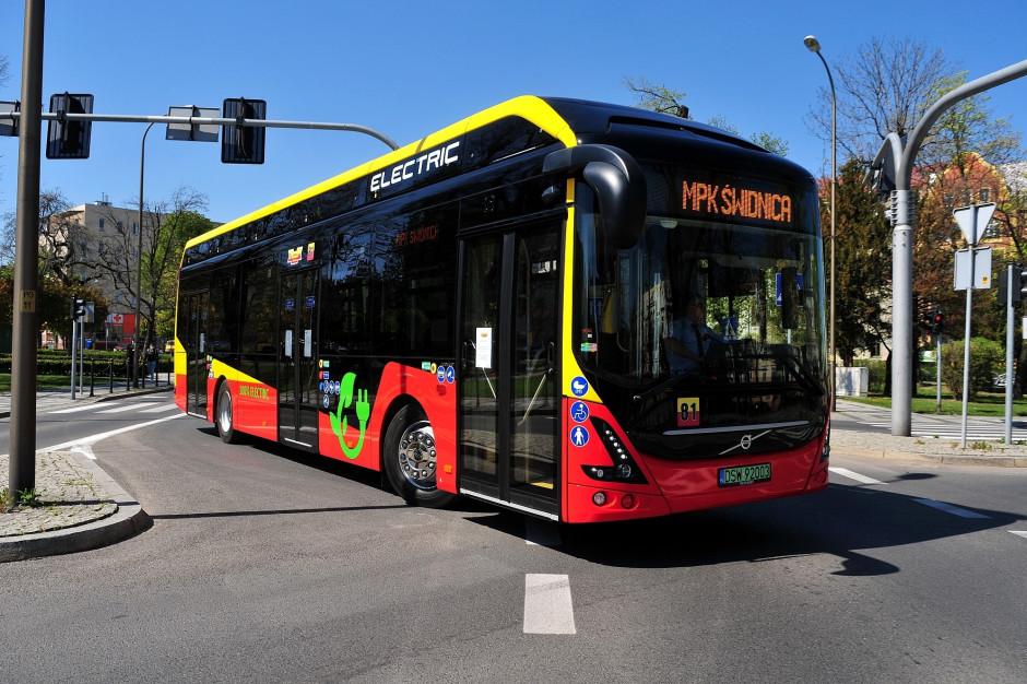 Przewoźnicy bronią autobusów na gaz i punktują minusy taboru elektrycznego