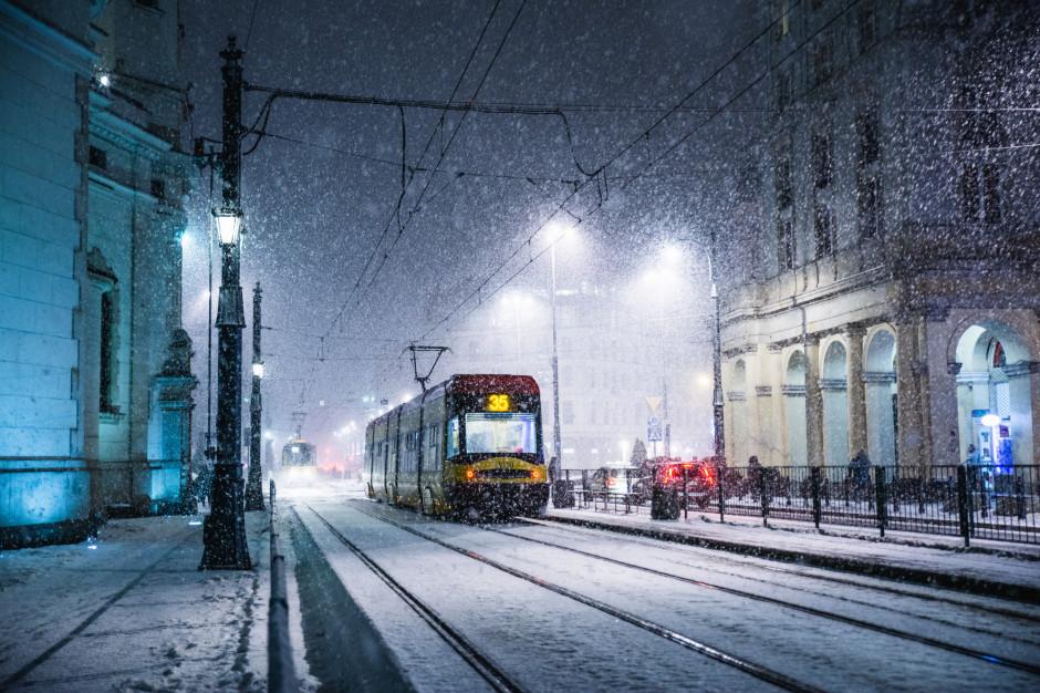 GDDKiA; wszystkie drogi przejezdne; jazdę utrudniają opady śniegu i deszczu ze śniegiem