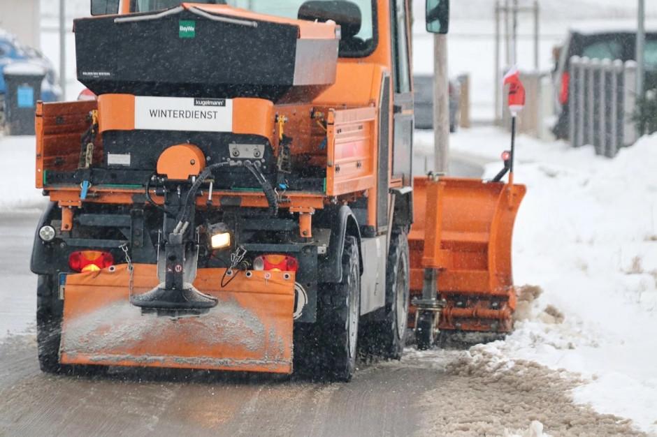Odśnieżanie dróg i chodników. Obowiązek właściciela, miasta czy zarządcy drogi?