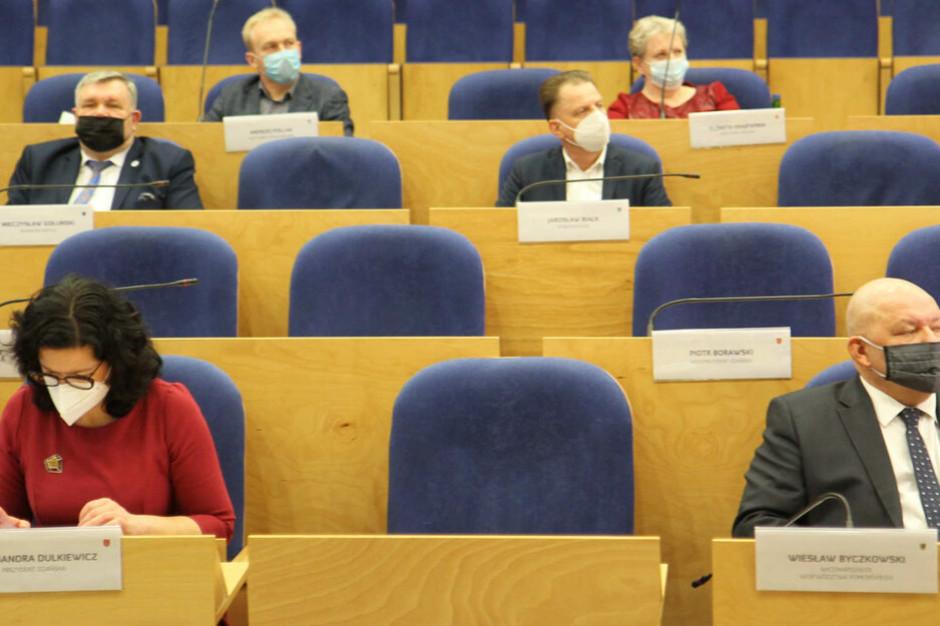 Samorządowcy krytykują centralizację środków unijnych