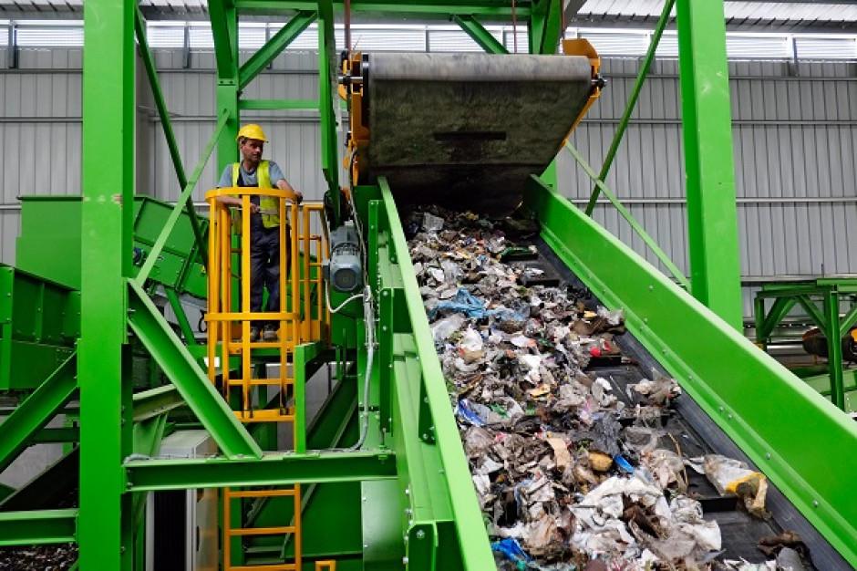 Stawki za odbiór odpadów w największych miastach Polski