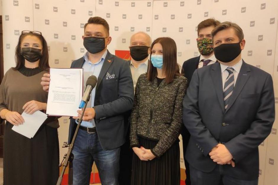Łódź: Radni z KO i SLD bronią Marty Grzeszczyk, która wystąpiła z PiS