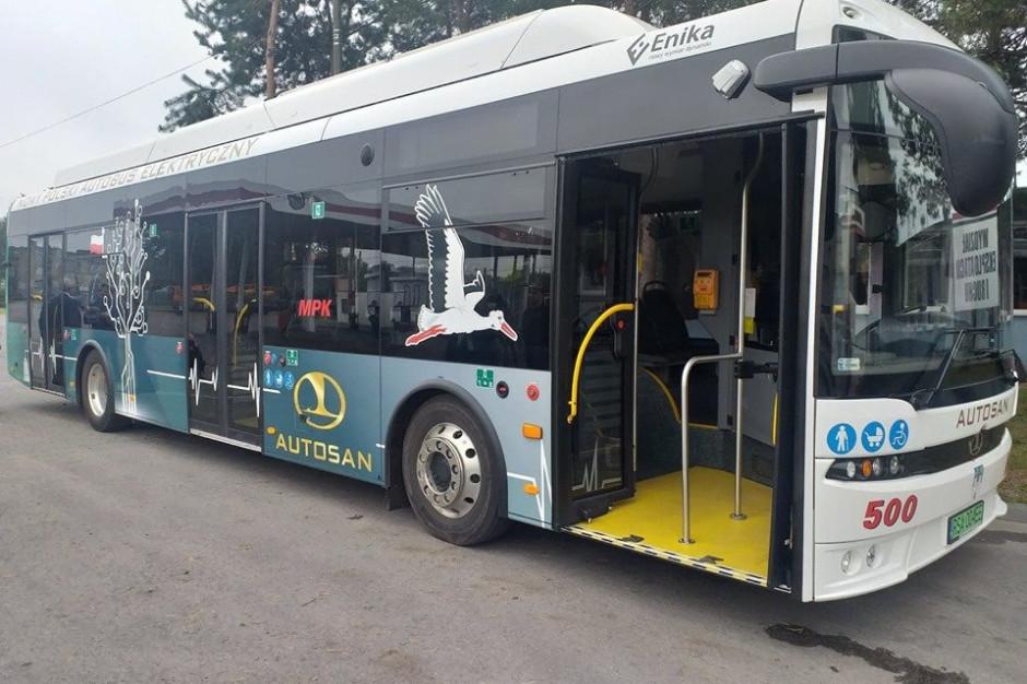 Testują elektryczne autobusy i korygują wady na bieżąco