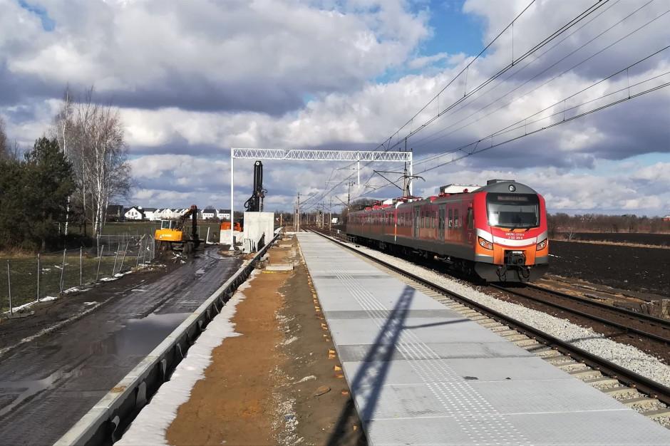 Ruszyła budowa peronu na przystanku kolejowym Iwiny