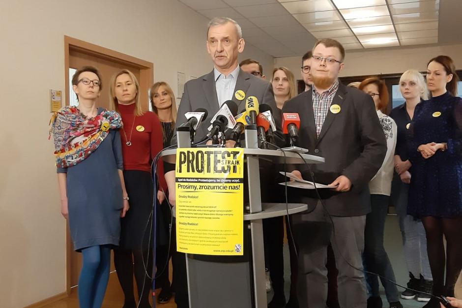 """Związek Nauczycielstwa Polskiego chce wstrzymania prac nad projektem """"Edukacja dla wszystkich"""""""