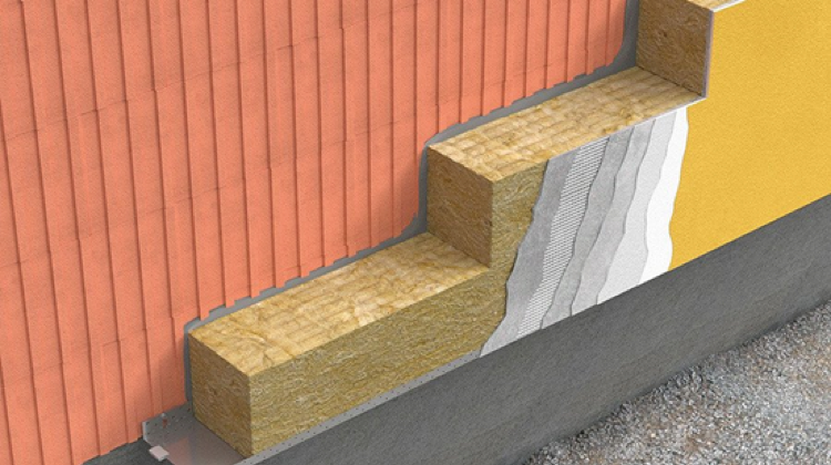 Rys. 1. Niepalna fasada budynku mieszkalnego z wykorzystaniem skalnej wełny mineralnej FASROCK w klasie odporności ogniowej A1