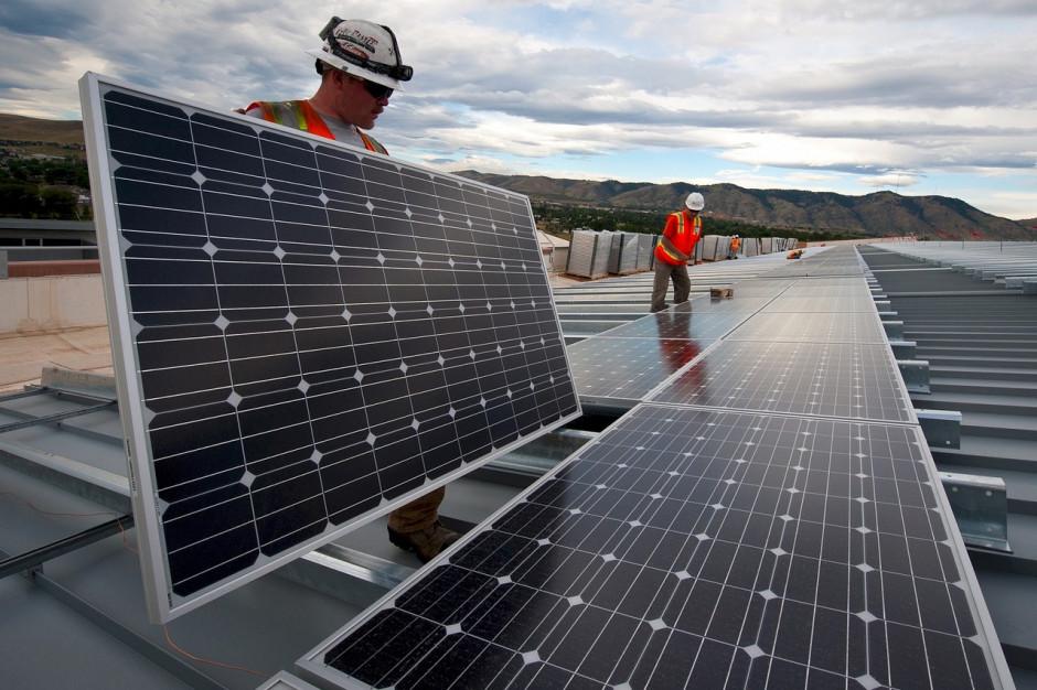 Samowystarczalność energetyczna bez koncesji na obrót kuleje. Przeszkodą też niekonkurencyjne ceny