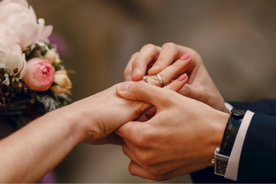 E-usługi pomogą załatwić formalności przed ślubem