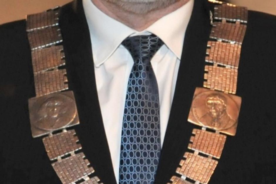 Minister o wynagrodzeniach samorządowców: podwyżka o 20 proc. nie rozwiąże problemu