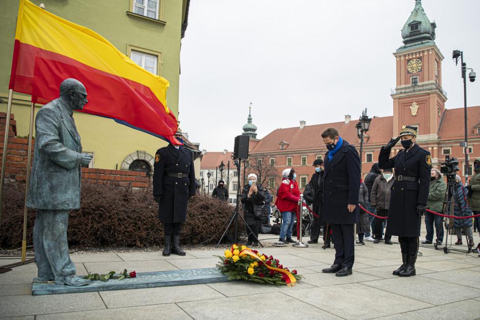 Jan Zachwatowicz ma swój pomnik w Warszawie