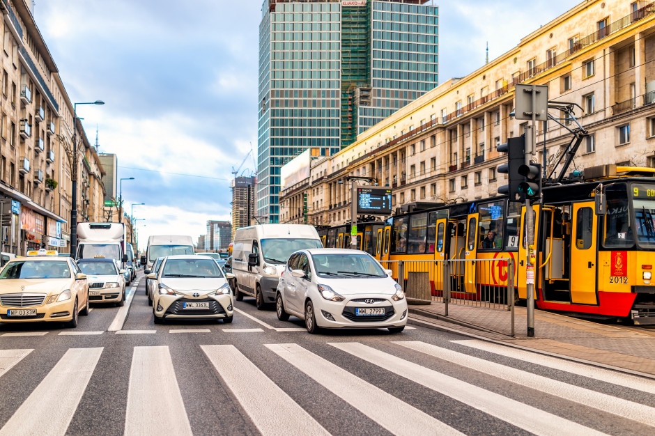 Warszawa powiększy strefę płatnego parkowania