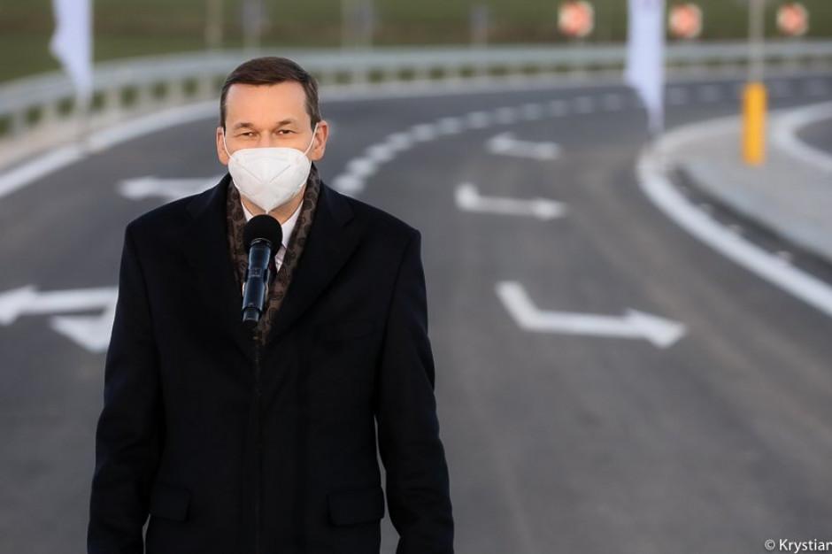 Morawiecki podtrzymuje zapowiedź 39 mld zł na drogi samorządowe