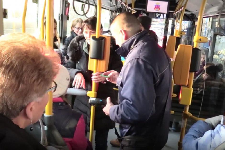 Zarobki kontrolerów biletów w komunikacji miejskiej. Duże różnice między miastami