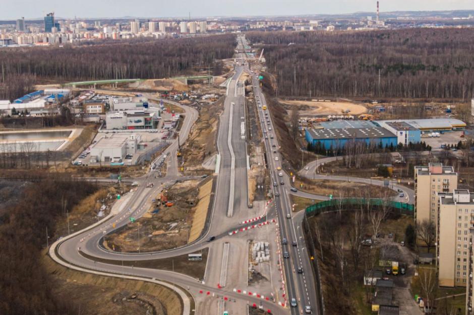 Wkrótce przejazd nową jezdnią rozbudowywanego węzła w Katowicach
