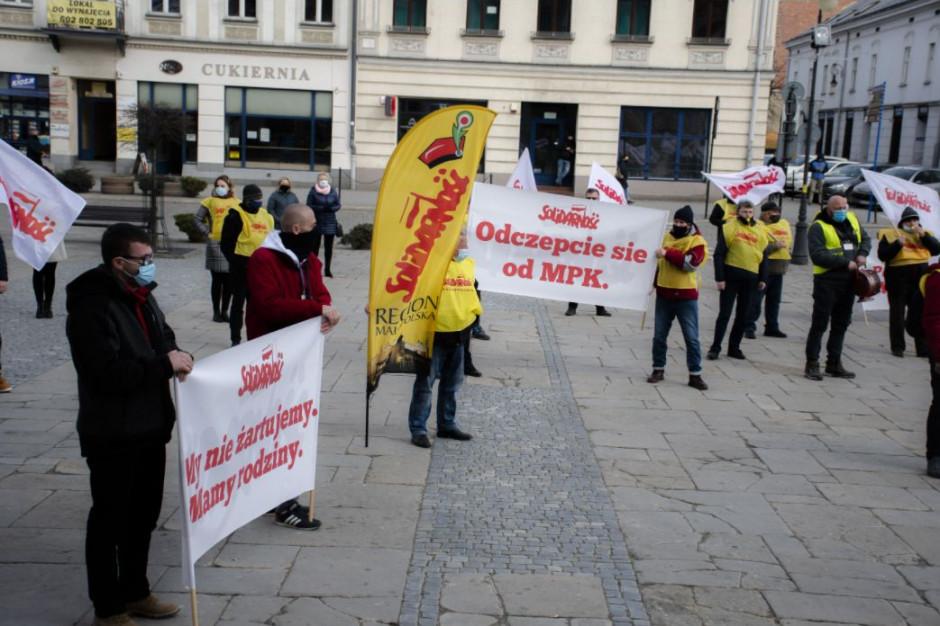 Protest w MPK w Nowym Sączu. Rada obcięła rekompensatę o 4 mln zł