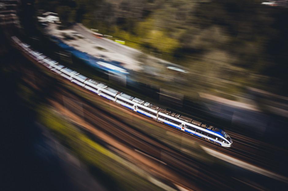 PKP Intercity informację o śladzie węglowym udostępni podróżnym w połowie roku