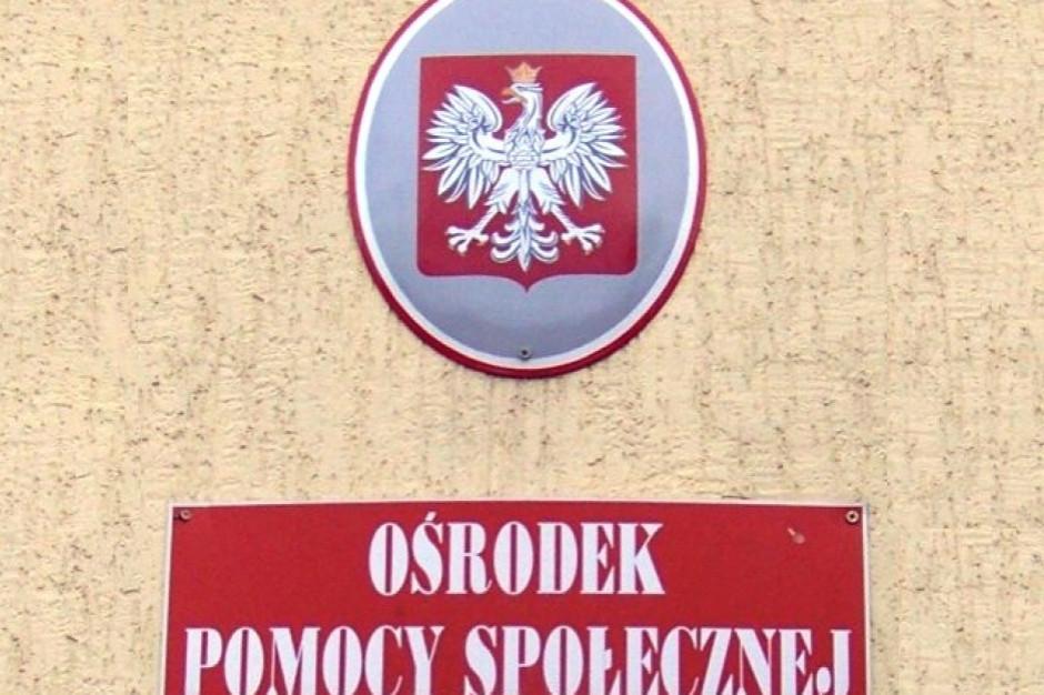 Związkowcy z pomocy społecznej oczekują przeprosin od posła Dobromira Sośnierza