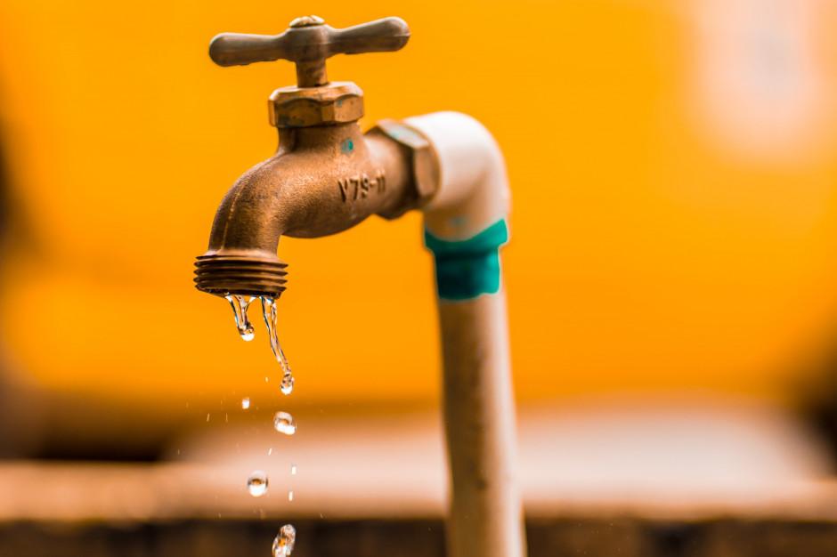 Spór o opłaty za wodę i ścieki trwa. Samorządy przeciwko decyzji Wód Polskich