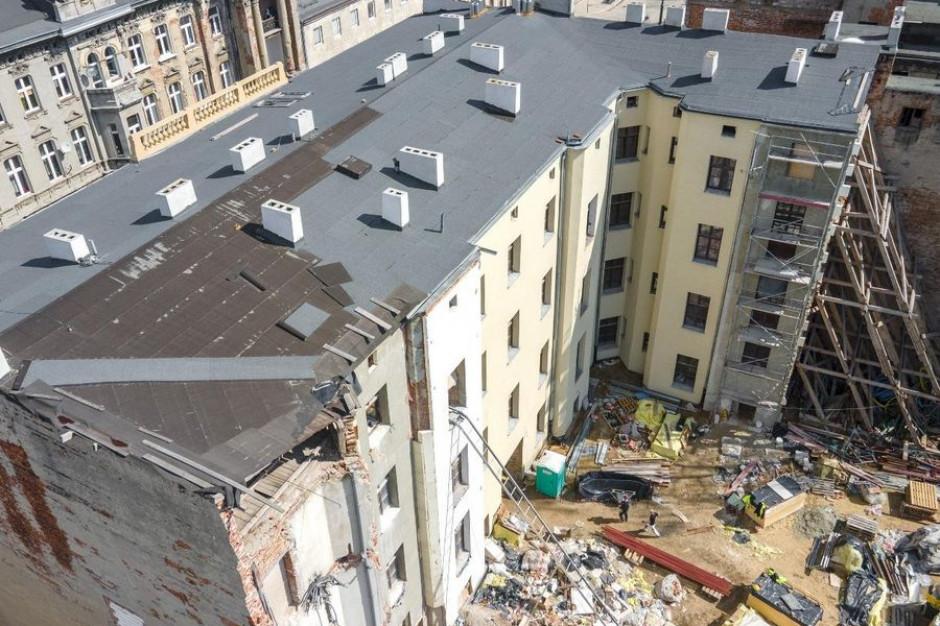 Łódź odbudowuje zawalone kamienice