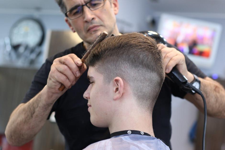 W 11 województwach przywrócone funkcjonowanie salonów urody i fryzjerów