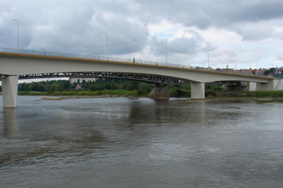 Most przez Wisłę w Sandomierzu czeka rozbudowa. Jest wykonawca