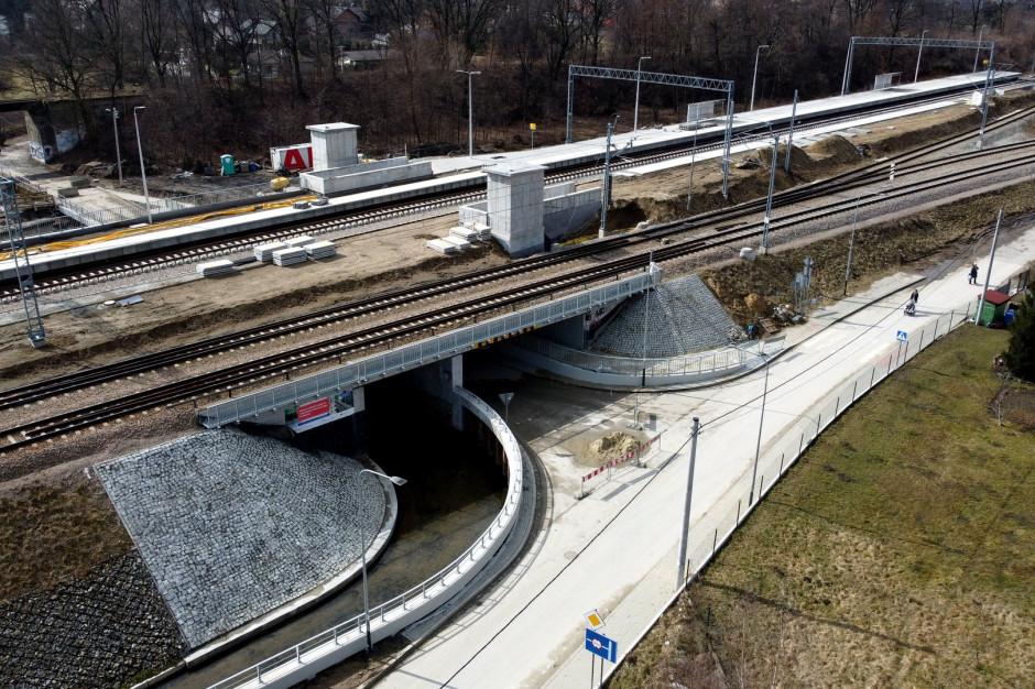 Zakończyła się budowa mostu kolejowego nad rzeką Serafą w Krakowie
