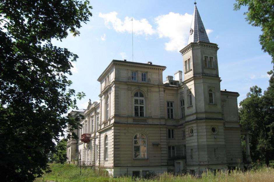 Kujawsko-pomorskie: Zespół pałacowy w Wieńcu przechodzi rewitalizację