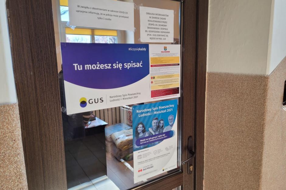 Spis powszechny: GUS ostrzega przed oszustami i tłumaczy jak sprawdzić rachmistrza