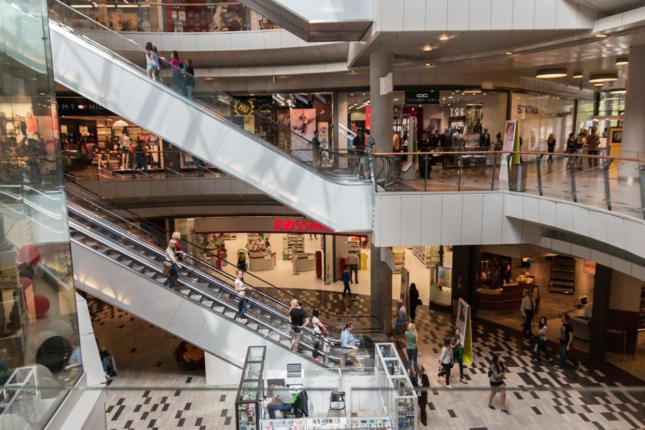 Otwarcie galerii handlowych, sklepów budowlanych i meblowych z limitem osób