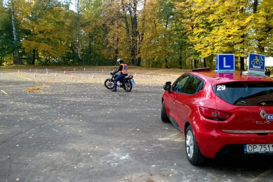 Szkoły nauki jazdy czekają zmiany. Będą nowości też w systemie szkolenia kierowców