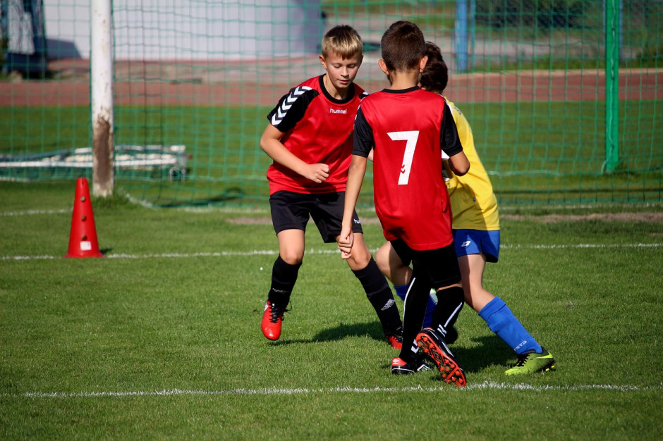 Wsparcie sportowego szkolenia dzieci i młodzieży. Gdzie konieczne były cięcia?